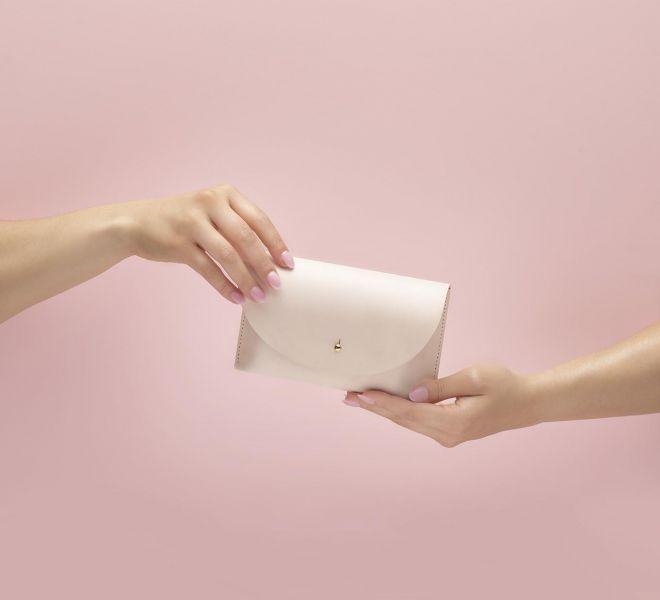 Pink-Handbag-Product-Retouching-Bratcovici-Radu
